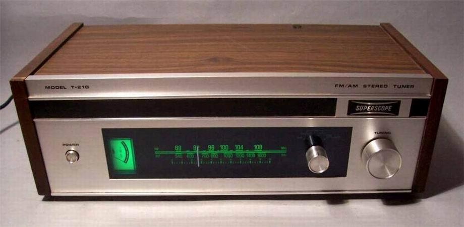 Amplificador vintage, difícil decisión Superscope_t-210-04